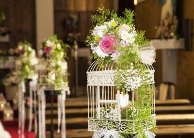 Flores de boda en iglesia