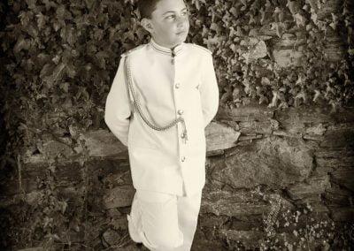 Blanco y negro niño de Comunión