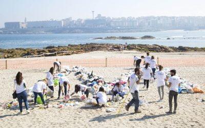 CLIP Intervención artística amar omar playa de Riazor by Ron Barceló – San Juan 2017