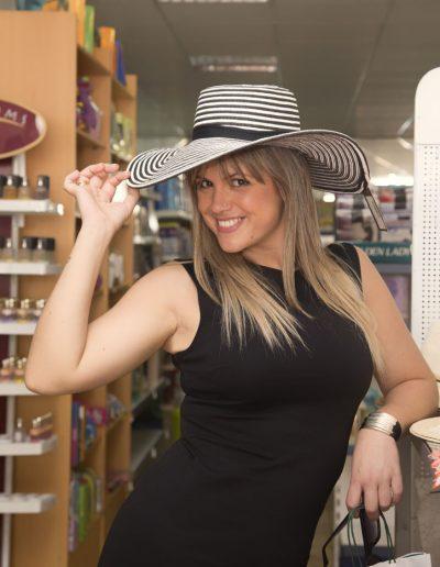 Eva Iglesias de Compras en Melide