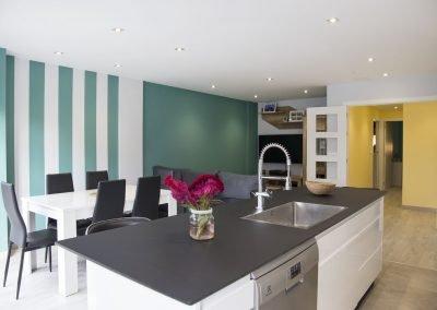 Salón Cocina en edificio obra nueva de Melide